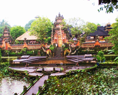 24-ubud-royal-palace-gallery