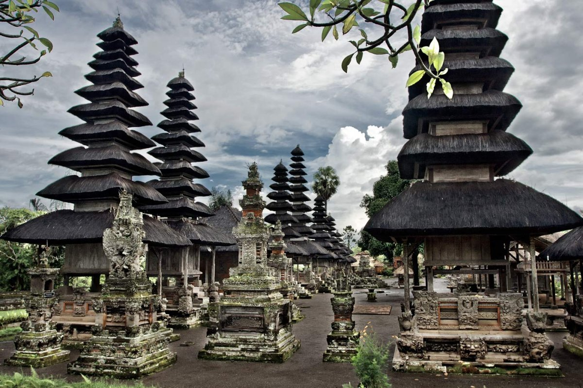 Taman-Ayun-tempel-or-Royal-Family-temple-in-Bali-Bali-Hello-Travel-1.jpg14